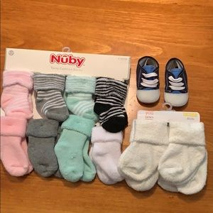 Other - NWT baby socks bundle & shoes